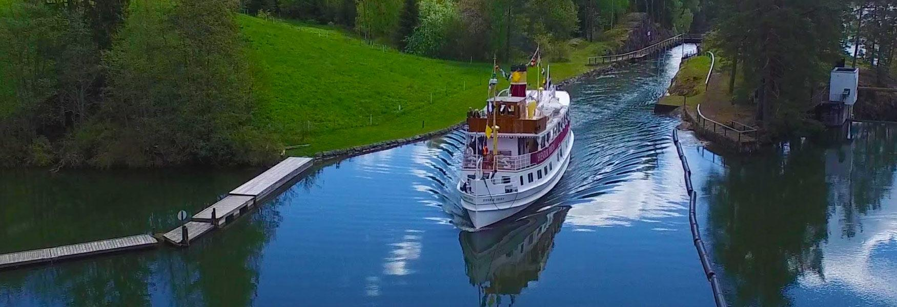 Enjoy the beautiful Telemark Canal