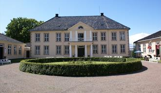 Brekkeparken and Brekke Museum