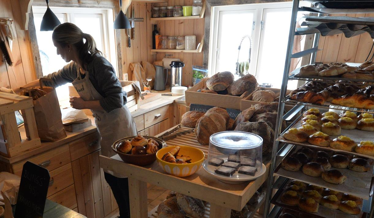Open bakery in Tessungdalen
