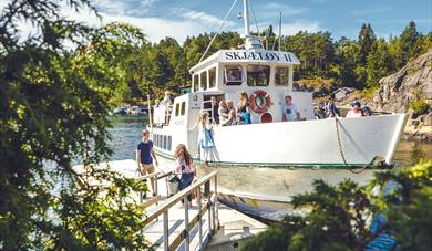 Travel from island to island in Telemark